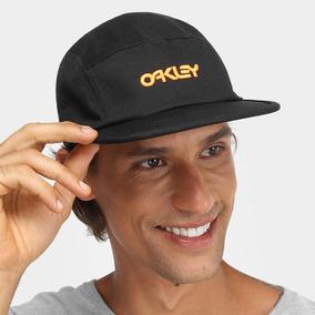 c51b4c5535c10 Boné Oakley Aba Reta - Calçados, Roupas e Bolsas no Mercado Livre Brasil
