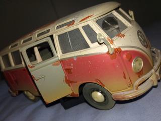 Volkswagen Van Samba Old 1:25