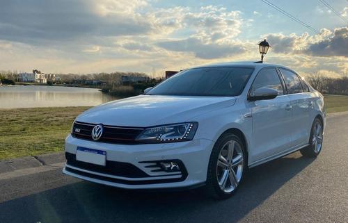 Imagen 1 de 15 de Volkswagen Vento 2.0 Tsi Gli 211cv App Connect + Nav