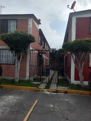 Casa Muy Cerca De Metro Múzquiz Y Av.central,