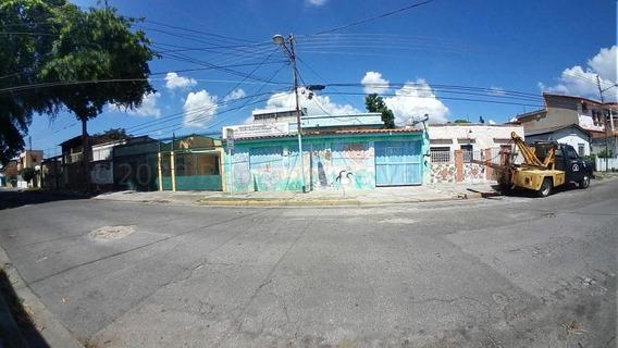 Casa Nagunagua 20-24808 Mme Mercedes Martinez 04121411153