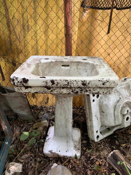 Lavabo Años 50 S, Con Columna, Llaves De Agua Más Separadas