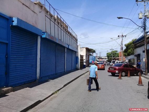 Locales En Alquiler, Plaza Bolívar, Centro De Porlamar.