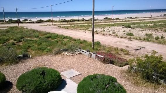 Esquina Hacia Tres Calles Frente Al Mar En Playas Doradas