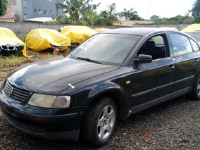 Sucata Volkswagen Passat 2000 Para Retirada De Peças