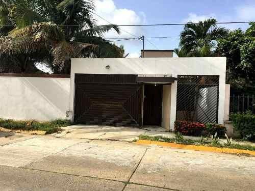 Casa En Renta En Campeche, Col. Petrolera