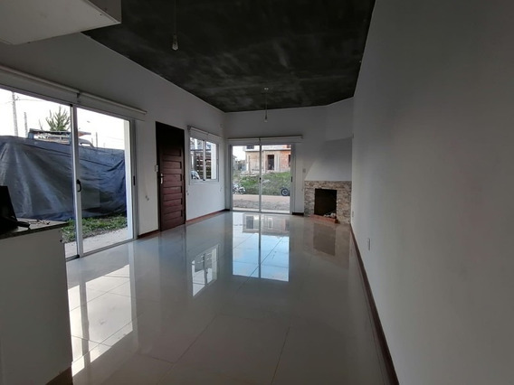 2 Dormitorios Con Parrillero En Alquiler Anual - Ref: 1346