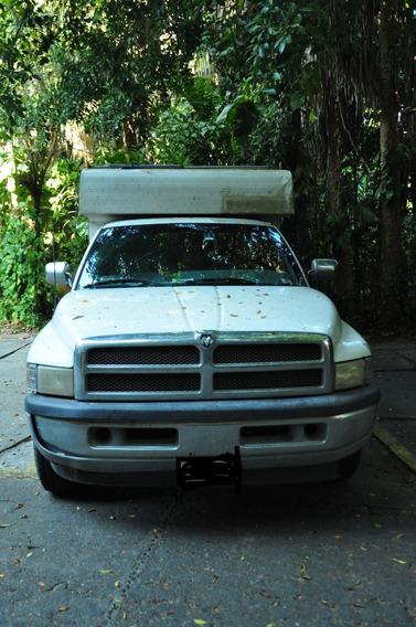 Dodge Ram 2500 Cummis Turbo Diesel
