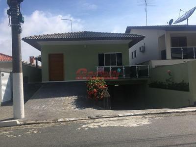 Casa Com 3 Dormitórios À Venda E Locação , 270 M² Por R$ 950.000 - Condomínio Arujazinho Iv - Arujá/sp - Ca1147