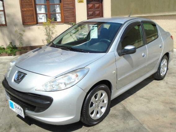 Peugeot 207 Sedan Passion Xr 1.4 8v Flex 4p