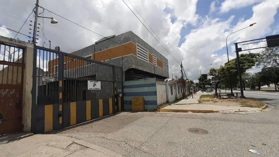 Edificio En Venta Zona Este Barquisimeto Lara 20-23085