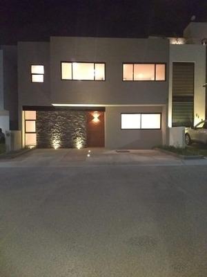 Venta De Casa En La Vista Residencial, Querétaro