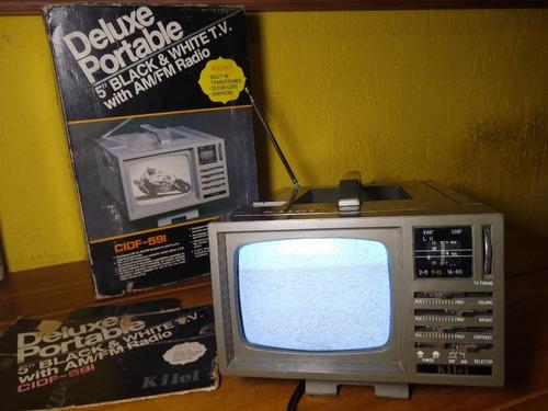 Tv Portátil 5 Polegadas Com Radio Am E Fm Usada Com Defeito