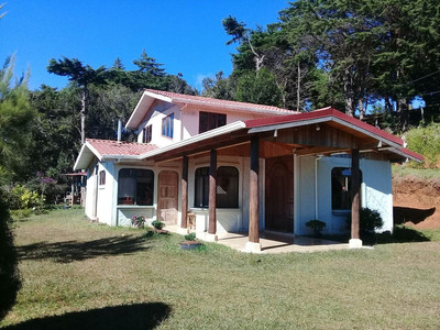 Casa En El Campo Con Hermosa Vista