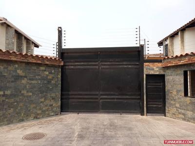 Townhouses En Venta 04141368660