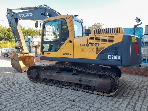 Imagem 1 de 14 de Escavadeira Volvo Ec210b 320d Pc200 320 R220 Cat Ano 2013