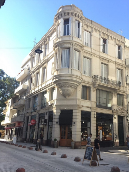 Local Comercial Sarandí Y Alzaibar - Ciudad Vieja