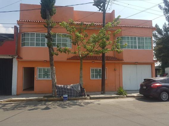 Casa Con 5 Recamaras Y 6 Baños Y Estacionamiento Para 4 Carr