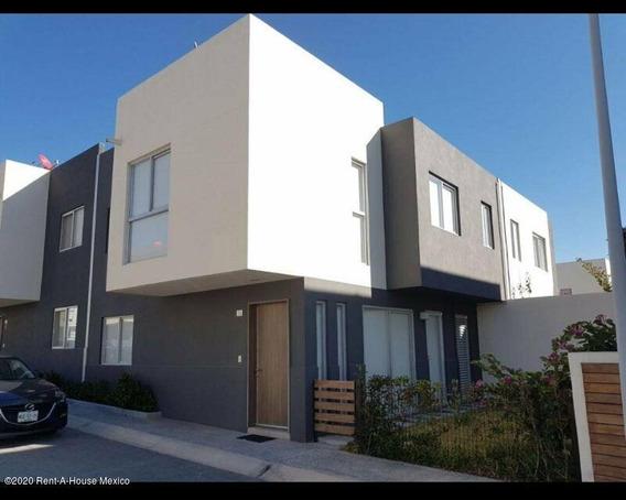 Casa En Renta En Santa Fe De Juriquilla, Queretaro, Rah-mx-21-390