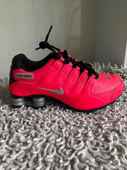 Tênis Nike Shox Tam 38
