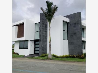 Casa Sola En Venta Fracc. Punta Tiburon.