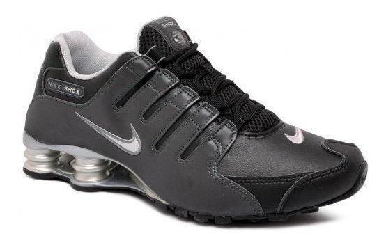 Cautand co? ul Nike Shox)