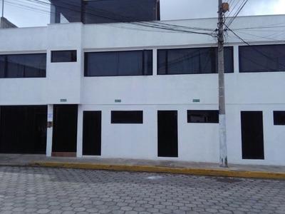 Dos Casas Residenciales En La Parroquia Calderon - Quito