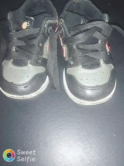 Zapatillas Negras Con Rojas