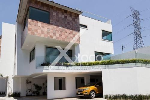 En Renta Hermosa Casa De Lujo Al Sur De La Ciudad