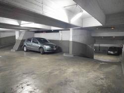 Cochera Muy Amplia En Recoleta - Auto O Camioneta, Seguridad