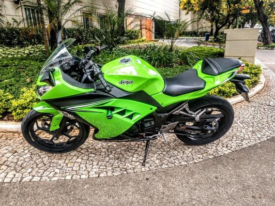 Kawasaki Ninja 300 17 Troco