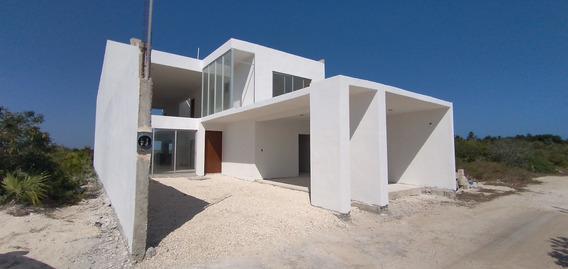 Casa En Venta En La Playa - Chicxulub Puerto