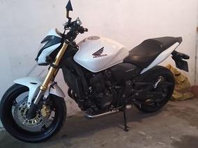 Hornet 600 Branca