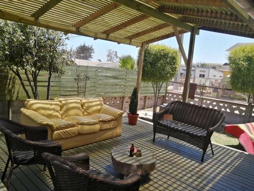 Imagen 1 de 14 de Casa Muy Acogedora El Quisco
