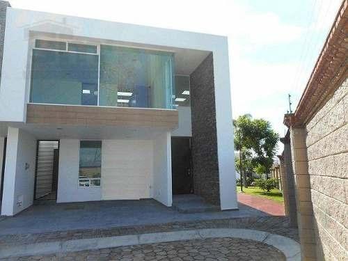 Casa En Venta En Parque San José Zona Azul Lomas De Angelopolis.