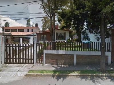 Casa De 4 Recamaras, Fracc. Bosques Del Lago