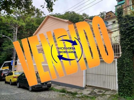 Casa Duplex À Venda Em Vila Isabel - Centro De Terreno, Varanda, 2 Salas, 4 Quartos, 2 Banheiros, Copa, Cozinha, Lavanderia, Garagem! - 1274