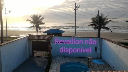 Imagem 1 de 11 de Casa C/piscina Em Frente A Praia