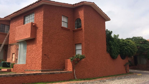 Casa En Renta En Fracc. Alhambra, 3 Rec., 2.5 Baños,
