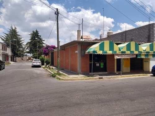 Casa Sola Con 2 Locales Comerciales, En Zumpango De Ocampo,