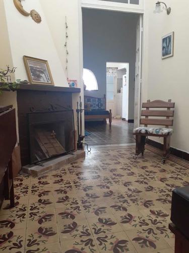 Venta Amplia Casa 3 Dorm.a Cuadras Centro Paso Molino