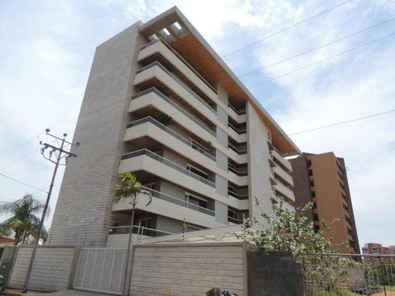 Apartamento En Venta Mls #18-13903
