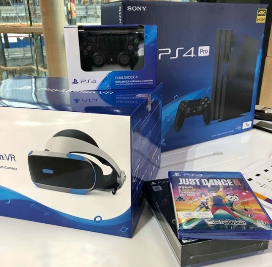 Ps4 Pro 1tb 4k 2 Mandos 4 Juegos Accesorios Realidad Virtua