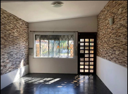 Imagen 1 de 10 de Casa De 2 Dormitorios En Anual En Maldonado- Ref: 1862