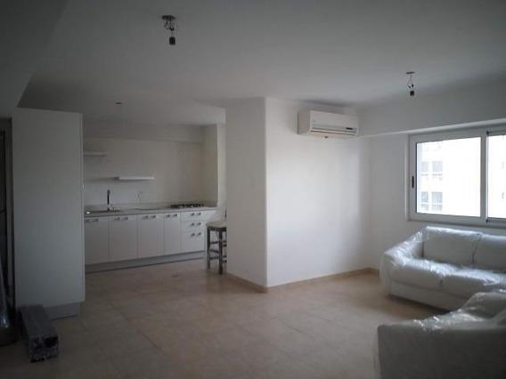 Bello Apartamento En El Centro Maracay Mm 20-5166