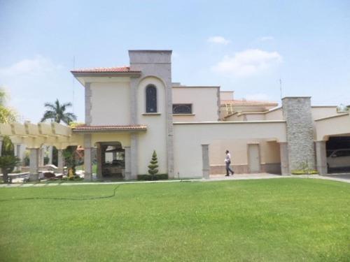 Casa Sola En Venta Col. San Isidro