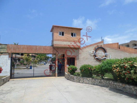 Apartamento En Tucacas Consolitex Vende Mirian A1079
