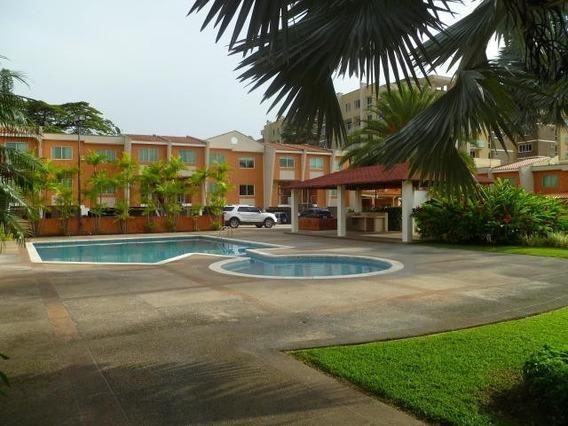 Townhouses En Venta Trigal Norte Carabobo 20-4540 Lal
