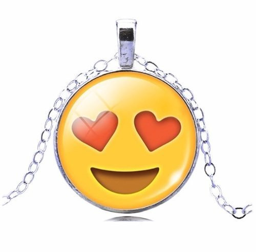 Colar Emoticons Emojis Smiley Apaixonado Folheado Prata