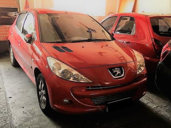 Peugeot 207 1.4 - Impecável - 2º Dono